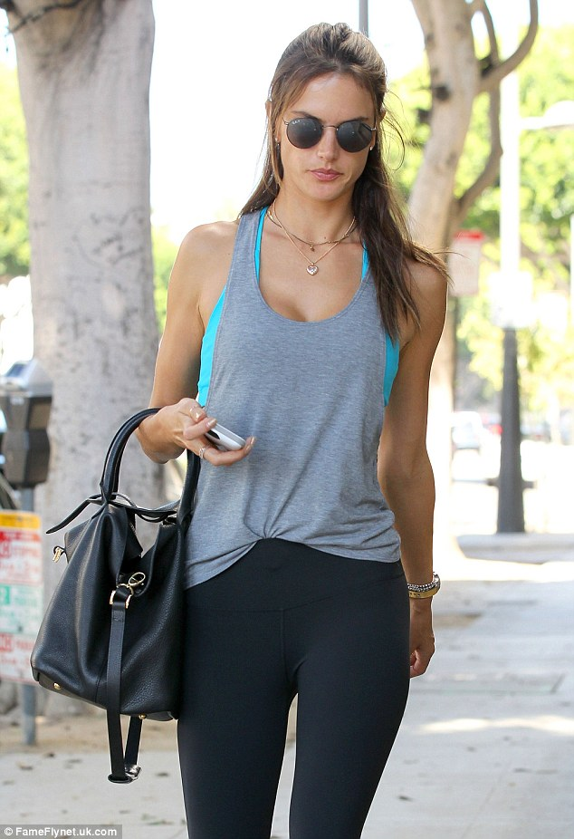 alessandra-ambrosio-workout-clothes